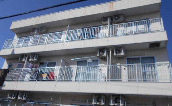 高知市東部 3階建アパート